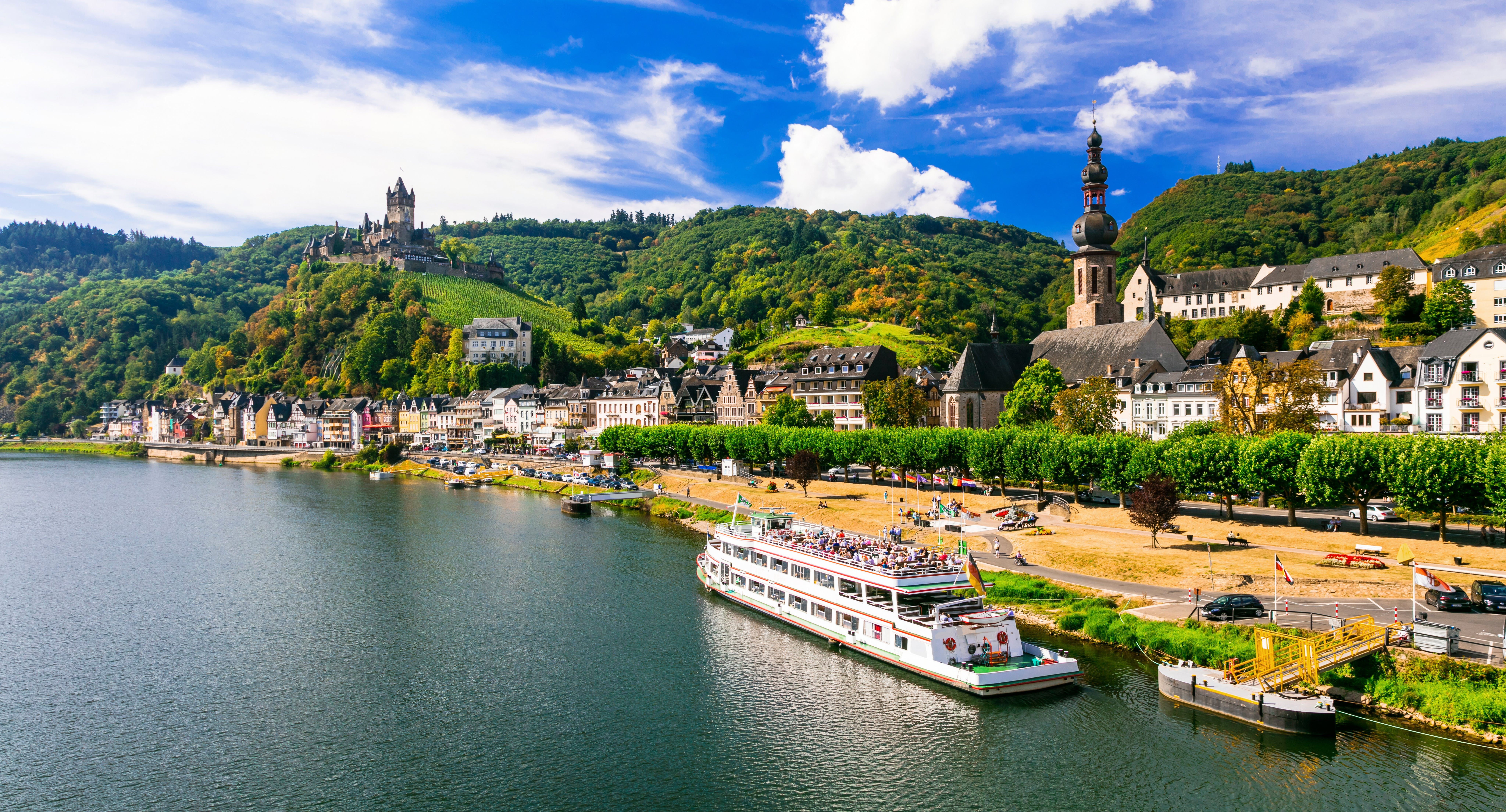 Enjoy a relaxing river cruise through New England and Canada in autumn.