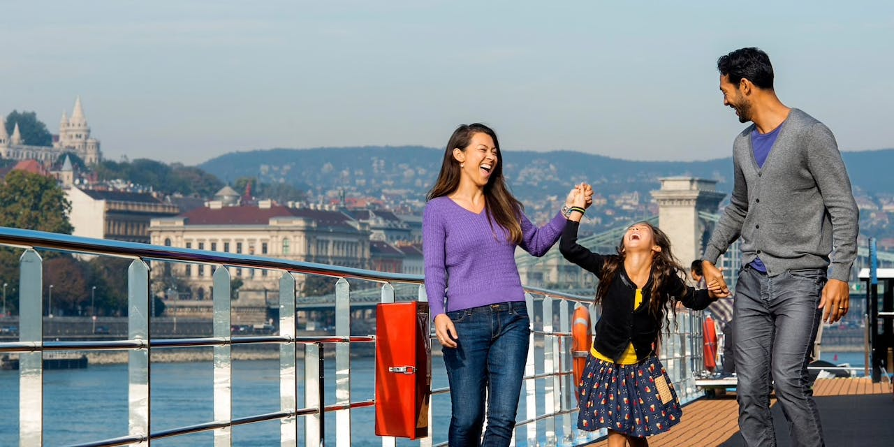 6 Tips for Taking a Family River Cruise