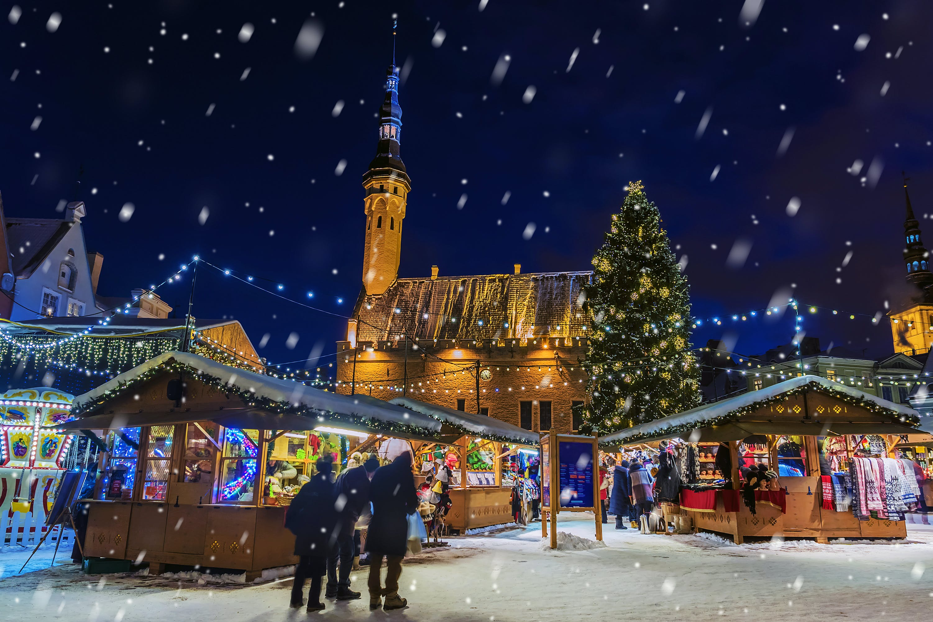 Experience true holiday merrymaking on a family river cruise through Europe's most famous Christmas markets.