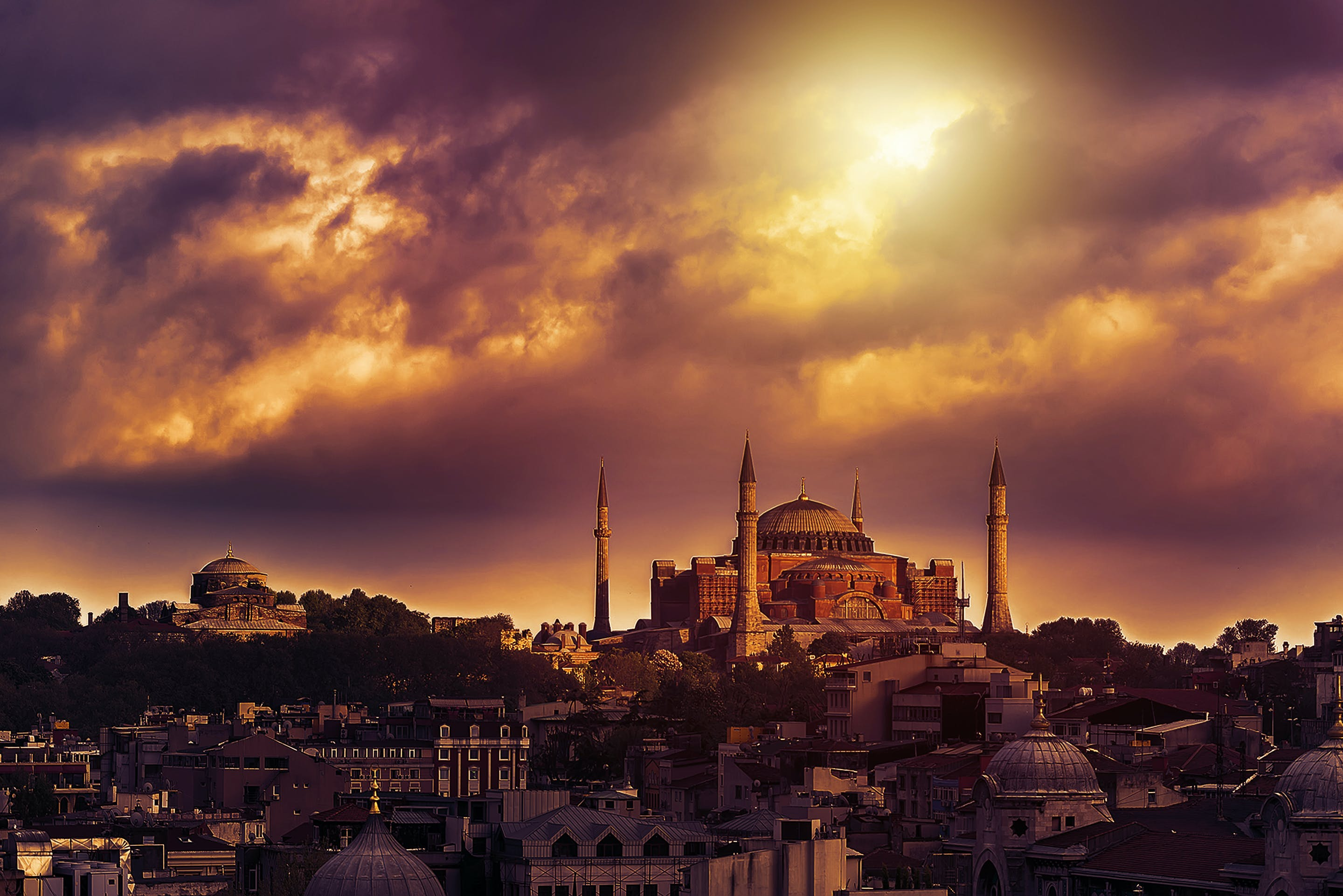 Sunset over the famous Blue Mosque in Instanbul, Turkey.